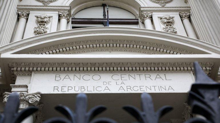 En el Banco Central admiten que seguirán perdiendo reservas