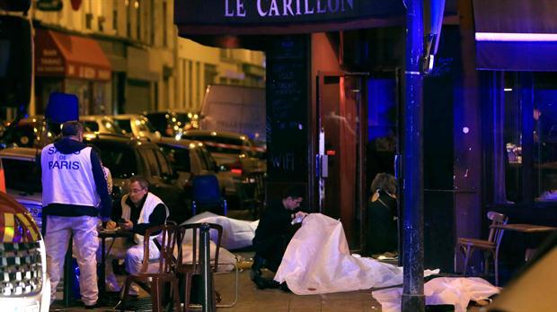 Múltiples atentados y una toma de rehenes sacudieron París, con al menos 160 muertos