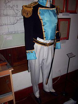 Réplica del uniforme militar del Almirante Brown que se encuentra en el Museo Naval Tomás Espora.