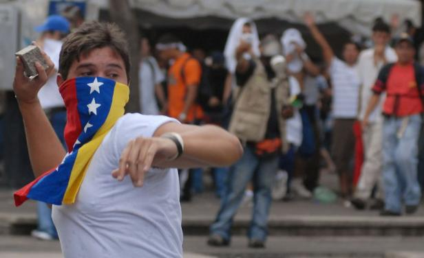 Venezolanos marchan a Uruguay