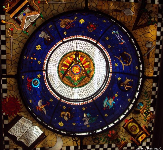 Detalle del techo de la Gran Logia de Colombia.