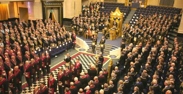 Reunión en la Gran Logia Unida de Inglaterra.