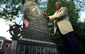 """a Masonería Prince Hall honra la memoria de su fundador en una ceremonia pública: """"Prince Hall Americanism Day""""."""