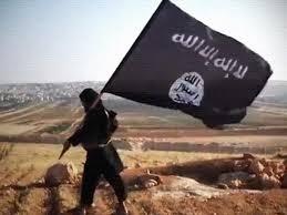 El Estado Islámico proclama el califato.