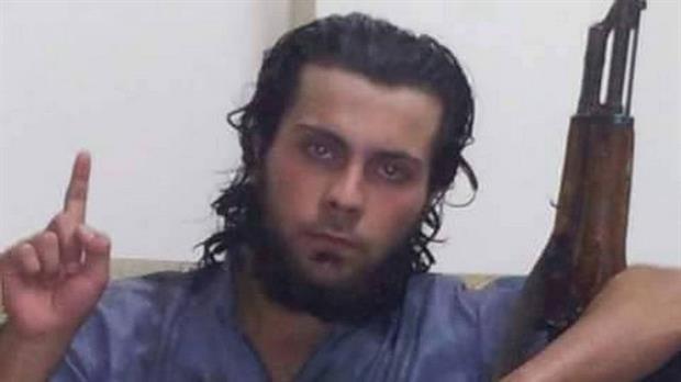 Un jihadista ejecutó a su madre en público porque lo quiso convencer que dejara Estado Islámico