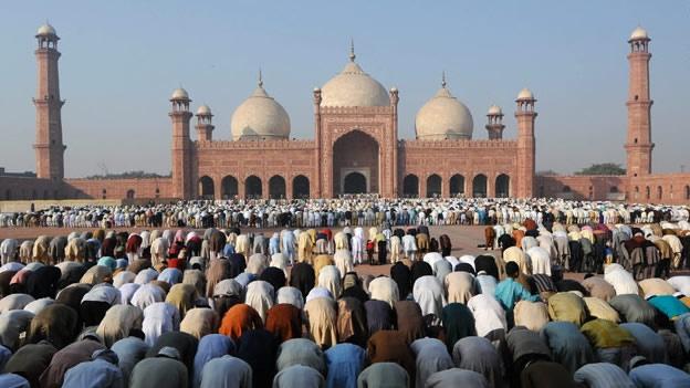 Sus adeptos se llaman musulmanes.