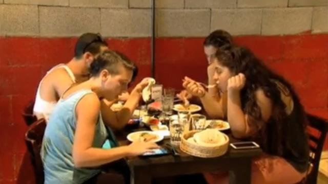 Restaurante israelí descuenta 50% a palestinos e israelíes que coman juntos