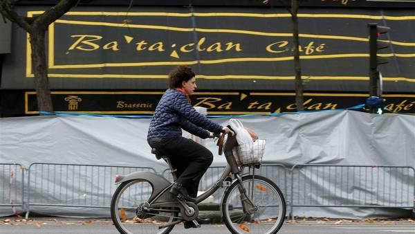 El teatro parisino de Bataclan, escenario de la masacre de París, del viernes. / Reuters