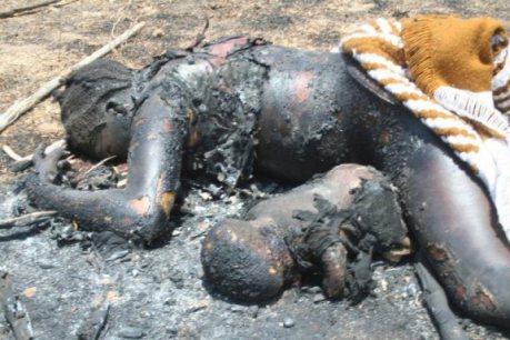 Madre y bebé quemados vivos por ser Católicos.