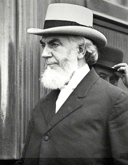 Charles Russell, fundador de los Testigos de Jehová.