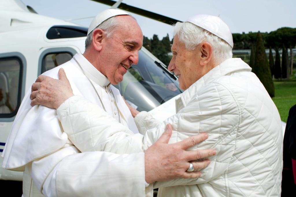 El 28 de febrero de 2013,  Benedicto XVI, de nombre secular Joseph Aloisius Ratzinger, se retiró y asumió el título de Papa Emérito, con la intención de dedicarse a la oración y el retiro espiritual.